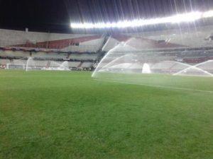 Sistema de riego en campos de fútbol